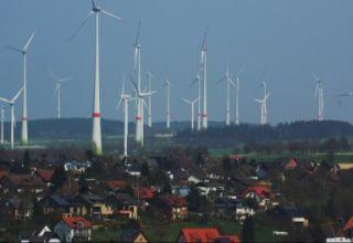 Con la nuova SEN dovremo continuare ad indebitarci per comperare le pale eoliche tedesche